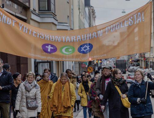 Uskontojen rauhankävely Helsingissä 22.10.2020