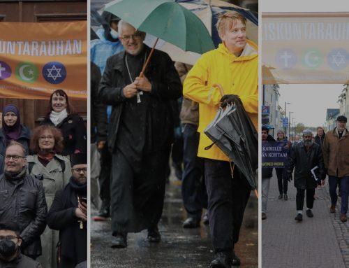 Uskontojen rauhankävelyt kolmessa kaupungissa korostivat ilmastotekojen tärkeyttä rauhantyössä